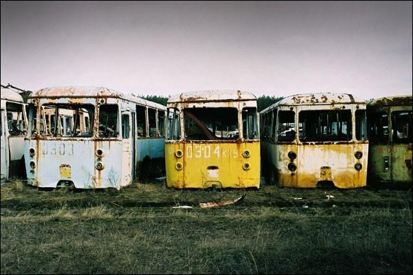 Nghĩa địa trực thăng, xe cứu hỏa sau thảm họa Chernobyl - ảnh 7