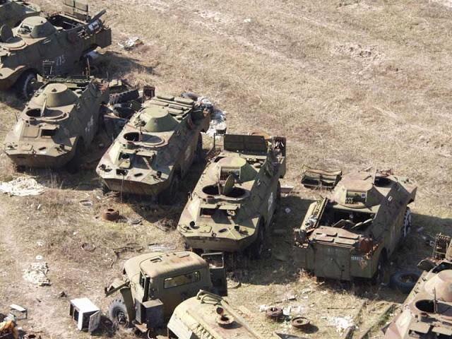 Nghĩa địa trực thăng, xe cứu hỏa sau thảm họa Chernobyl - ảnh 8