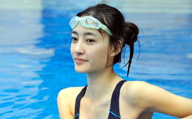 Nhan sắc 'Mỹ nhân mặt mộc đẹp nhất Trung Quốc' - ảnh 1