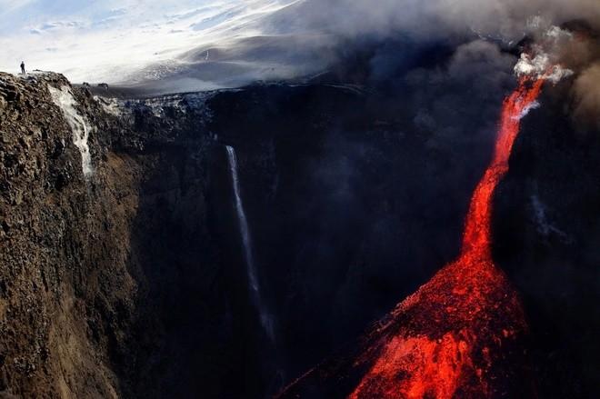 Đam mê săn đuổi cơn cuồng nộ của núi lửa - ảnh 2