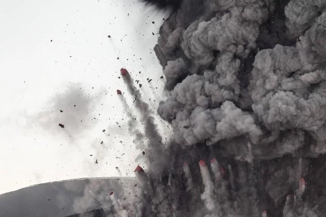Đam mê săn đuổi cơn cuồng nộ của núi lửa - ảnh 3