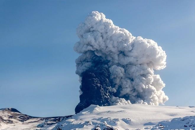 Đam mê săn đuổi cơn cuồng nộ của núi lửa - ảnh 4