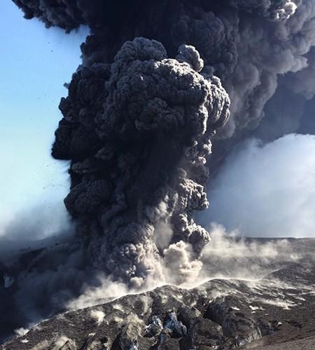 Đam mê săn đuổi cơn cuồng nộ của núi lửa - ảnh 5