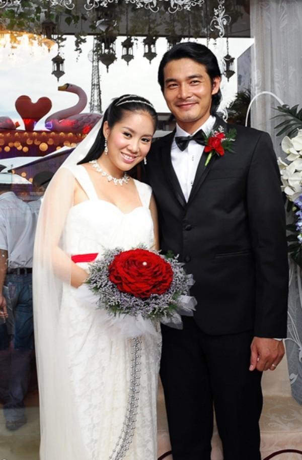 Những cuộc hôn nhân ngắn chẳng tày gang của sao Việt - ảnh 2