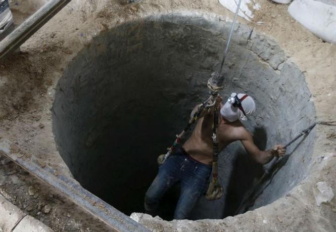 Bên trong đường hầm buôn lậu vũ khí tại Dải Gaza - ảnh 4