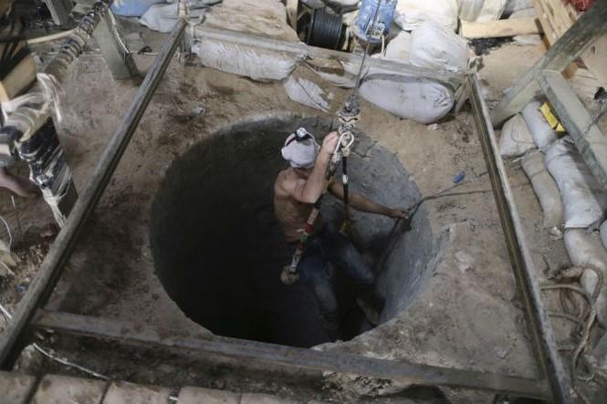 Bên trong đường hầm buôn lậu vũ khí tại Dải Gaza - ảnh 9