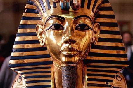 Vẻ đẹp hoàn hảo của chiếc mặt nạ vàng ròng 3.300 năm tuổi - ảnh 4