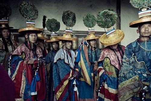 Lạ kỳ bộ tộc anh em lấy chung vợ ở Tây Tạng - ảnh 10