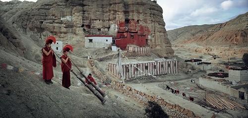 Lạ kỳ bộ tộc anh em lấy chung vợ ở Tây Tạng - ảnh 8