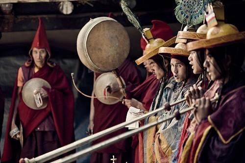 Lạ kỳ bộ tộc anh em lấy chung vợ ở Tây Tạng - ảnh 9