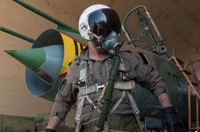 Cận cảnh tiêm kích Syria đem bom nhiệt áp tấn công IS - ảnh 6