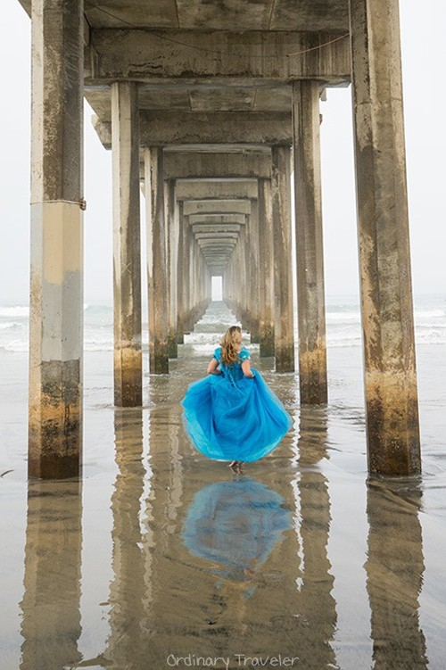 Nữ phượt thủ mặc váy Lọ lem đi khắp thế giới - ảnh 4