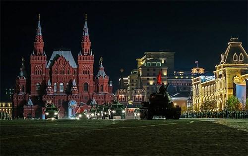 Hùng tráng lễ duyệt binh mừng Ngày Chiến thắng ở Nga - ảnh 4