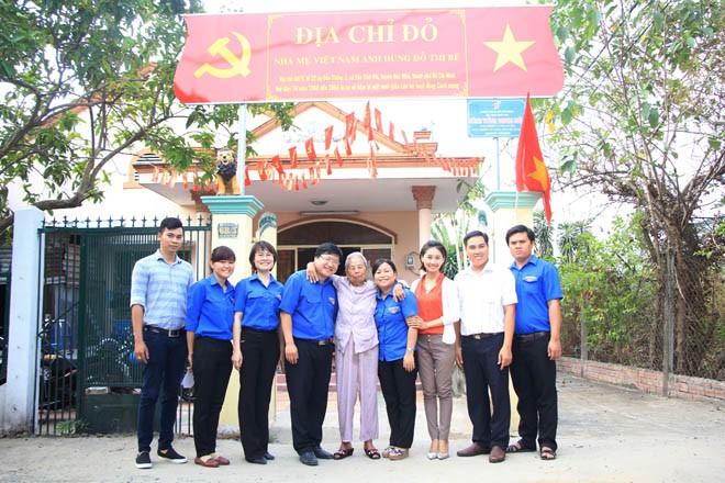 Trung ương Đoàn tri ân các Mẹ Việt Nam Anh hùng huyện Hóc Môn - ảnh 3