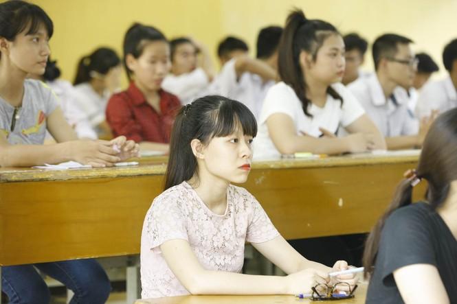 Hàng vạn thí sinh bước vào thi môn Ngoại ngữ - ảnh 9