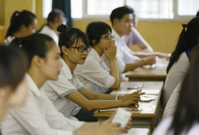 Hàng vạn thí sinh bước vào thi môn Ngoại ngữ - ảnh 7