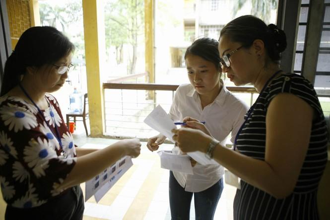 Hàng vạn thí sinh bước vào thi môn Ngoại ngữ - ảnh 2
