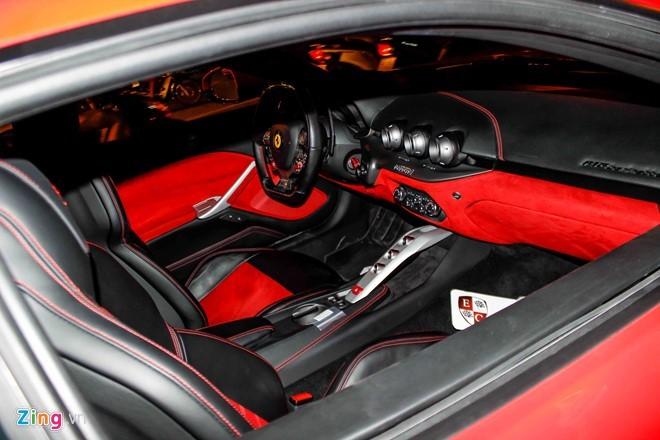 Lộ diện siêu xe Ferrari F12 triệu đô nhập từ Dubai về Việt Nam - ảnh 6