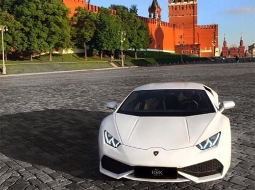 Hội con nhà giàu Nga và thú vui khoe siêu xe - ảnh 1