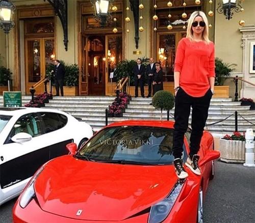 Hội con nhà giàu Nga và thú vui khoe siêu xe - ảnh 2