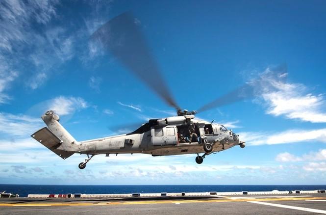 Mục kích tên lửa của Hải quân Mỹ khai hỏa trên biển - ảnh 10
