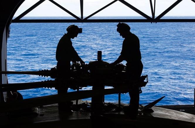 Mục kích tên lửa của Hải quân Mỹ khai hỏa trên biển - ảnh 12