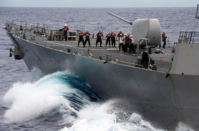 Mục kích tên lửa của Hải quân Mỹ khai hỏa trên biển - ảnh 13