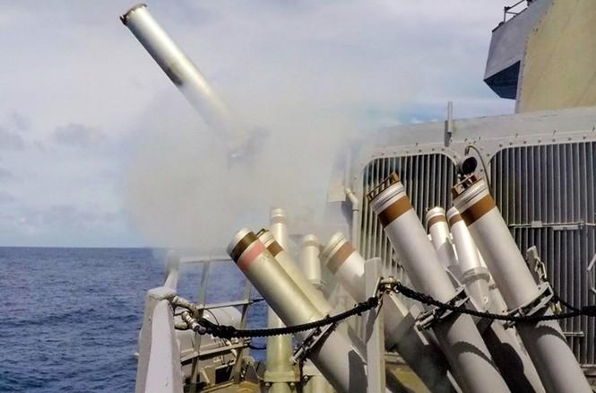 Mục kích tên lửa của Hải quân Mỹ khai hỏa trên biển - ảnh 4