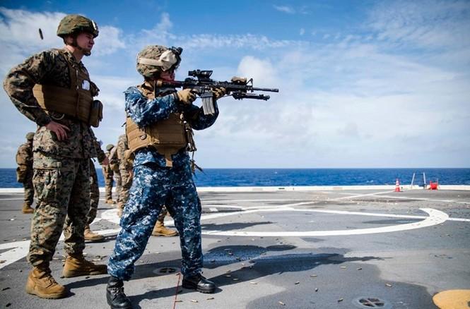 Mục kích tên lửa của Hải quân Mỹ khai hỏa trên biển - ảnh 6