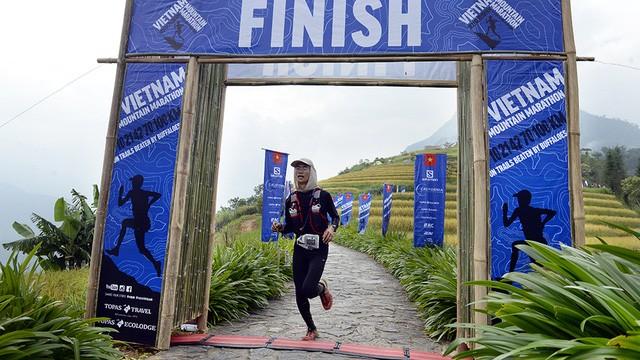 Đại sứ Anh băng núi 70km tại giải chạy việt dã ở Sapa - ảnh 15