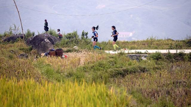 Đại sứ Anh băng núi 70km tại giải chạy việt dã ở Sapa - ảnh 10