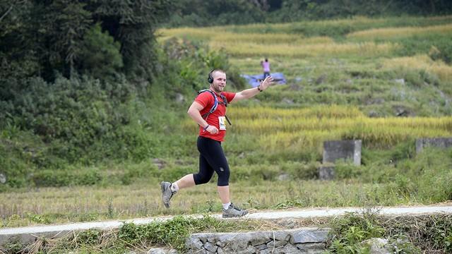 Đại sứ Anh băng núi 70km tại giải chạy việt dã ở Sapa - ảnh 11
