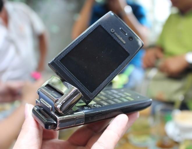Chơi điện thoại Nhật cổ tại Sài Gòn - ảnh 4