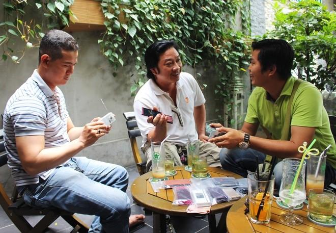 Chơi điện thoại Nhật cổ tại Sài Gòn - ảnh 7