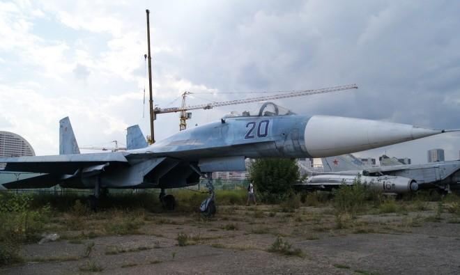 Nấm mồ hoang phế của các máy bay Nga giữa thủ đô Moscow - ảnh 3