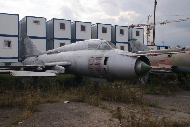 Nấm mồ hoang phế của các máy bay Nga giữa thủ đô Moscow - ảnh 4