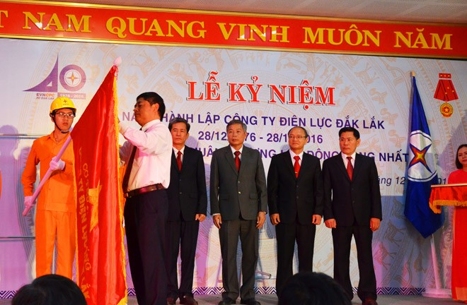 Điện lực Đắk Lắk đón nhận Huân chương LĐ hạng Nhất - ảnh 1
