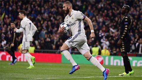 Ronaldo im tiếng, Real vẫn dễ dàng bắt nạt Napoli - ảnh 2