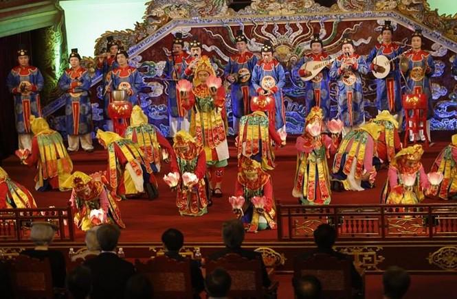 [VIDEO] Nhật hoàng và Hoàng hậu thưởng thức Nhã nhạc Cung đình Huế - ảnh 11