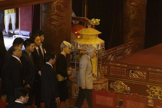 [VIDEO] Nhật hoàng và Hoàng hậu thưởng thức Nhã nhạc Cung đình Huế - ảnh 1
