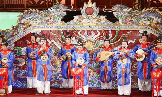 [VIDEO] Nhật hoàng và Hoàng hậu thưởng thức Nhã nhạc Cung đình Huế - ảnh 4
