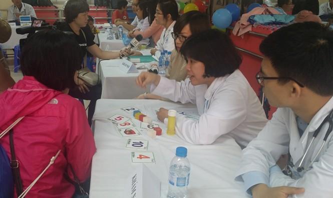 Gần 800 trẻ tự kỷ tham gia ngày hội 'Vòng tay yêu thương' - ảnh 4