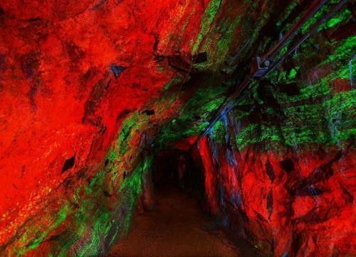 Kỳ ảo bảo tàng đá đẹp mê hồn dưới lòng đất - ảnh 3