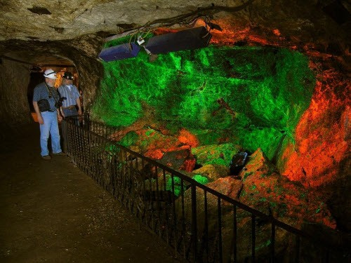 Kỳ ảo bảo tàng đá đẹp mê hồn dưới lòng đất - ảnh 6