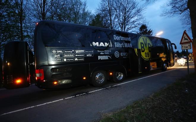Không khí lo lắng bao trùm Dortmund sau vụ đánh bom - ảnh 1