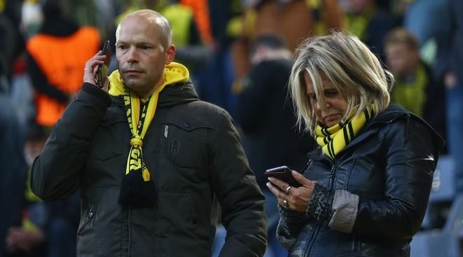 Không khí lo lắng bao trùm Dortmund sau vụ đánh bom - ảnh 7