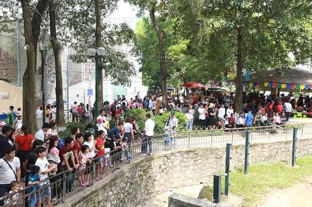 Hà Nội: Đông nghẹt thở ở công viên dịp nghỉ lễ - ảnh 16