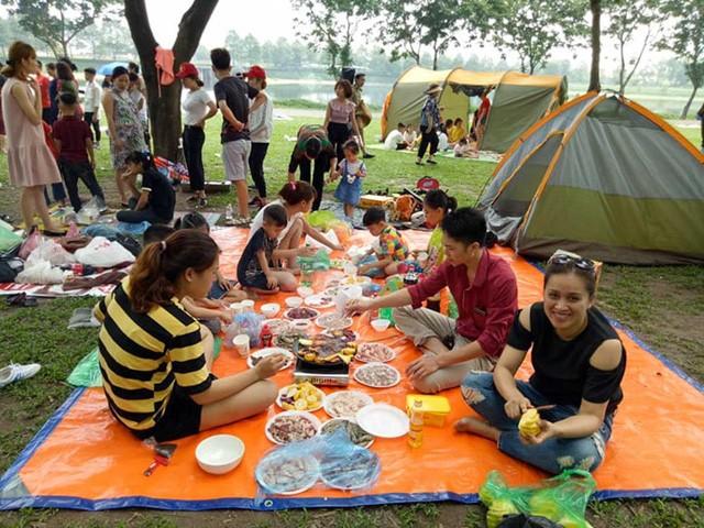 Hà Nội: Đông nghẹt thở ở công viên dịp nghỉ lễ - ảnh 8