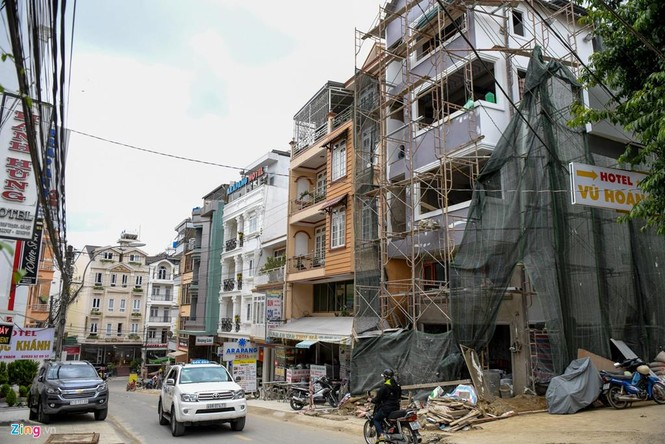 Cận cảnh nhà ống bê tông bóp nghẹt Đà Lạt - ảnh 15