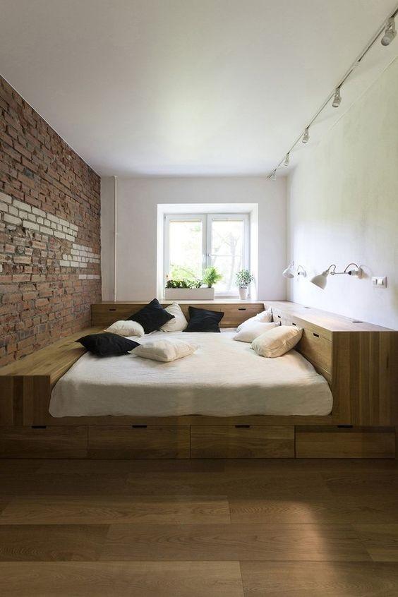 Phòng ngủ nổi bật cho nhà phố hẹp nhờ biến tấu cổ điển và cây xanh - ảnh 3